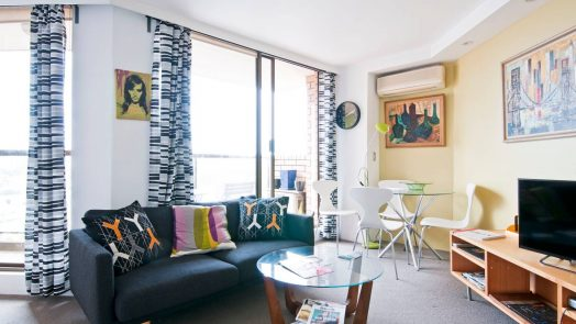 FUNKY AND BRIGHT STUDIO APARTMENT Photo 1