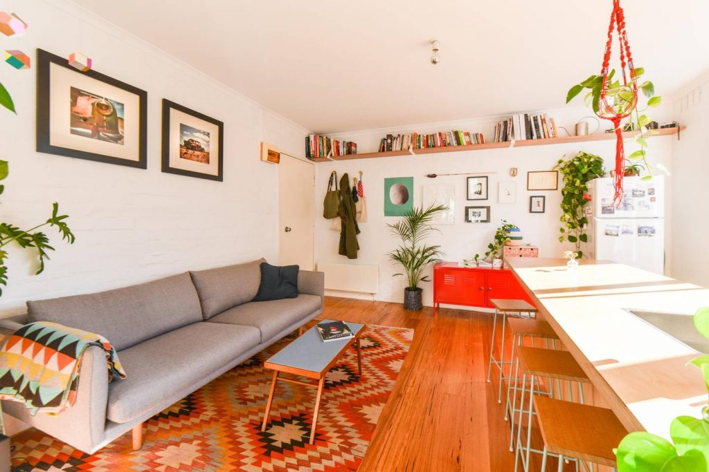 Bright apartment in vibrant Fitzroy Source: https://www.airbnb.com.au/rooms/1093015?s=51